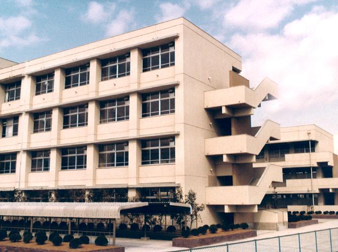 天理市立西中学校